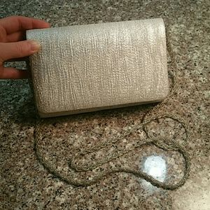 Silver magnetic close crossbody purse